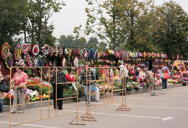 Цветы на Химкинском кладбище